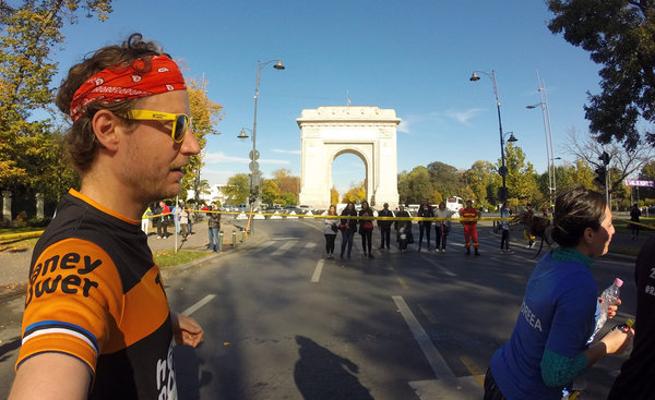 """Arcul de Triumf"" – you've got to show you've been victorious before!"